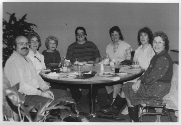 1985 Heritage Quest Christmas Tour group at lunch.