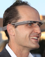 Google-Glass-user