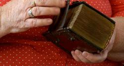 Dutch-Bible-250pw