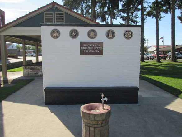 Orting-Memorial-Wall-after-refurbishing-in-2014-585-PW