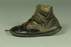 Child's-Shoe-From-Auschwitz-250pw