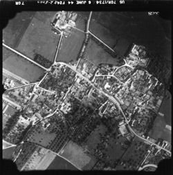 D-Day-WWII-aerial-photo-Juno-Beach-250pw